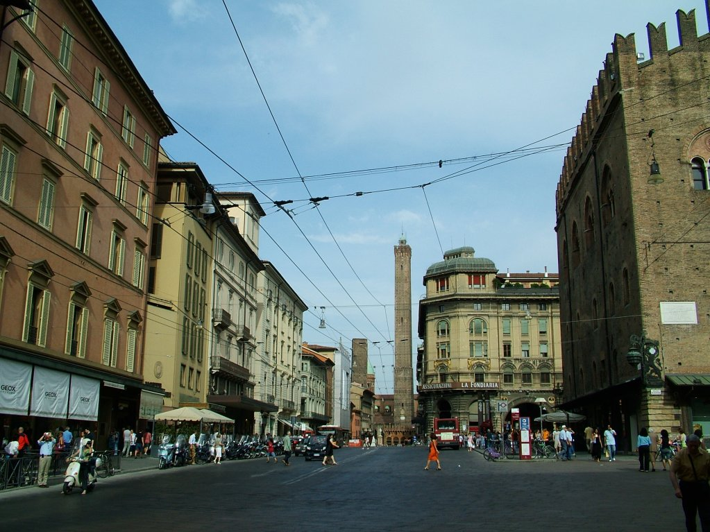 Via Rizzoli 1