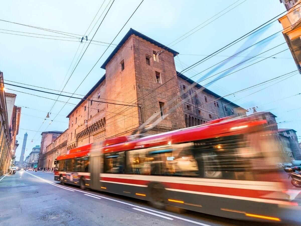 Come muoversi a Bologna in autobus 1