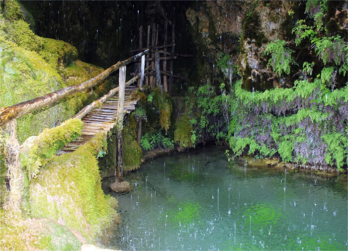Grotta e cascata di Labante a Castel d'Aiano