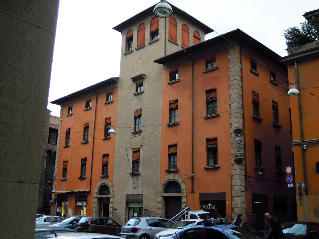 Torre Agresti