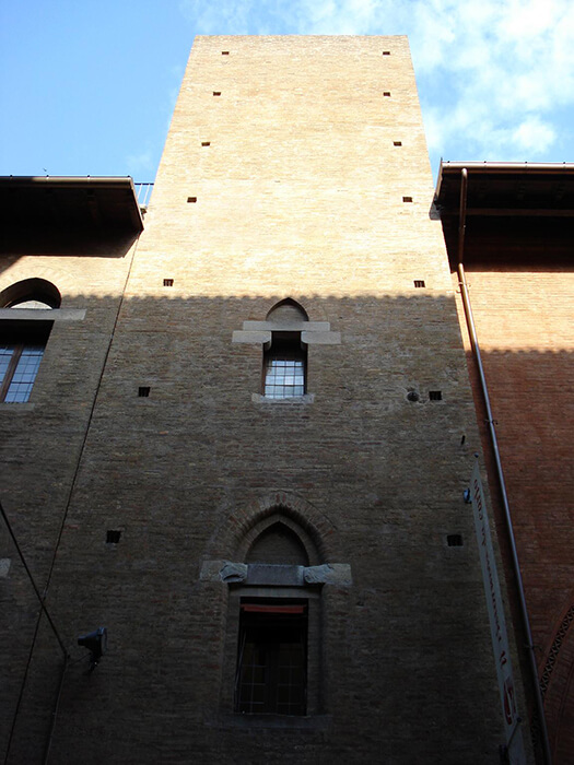 Torre Carrari