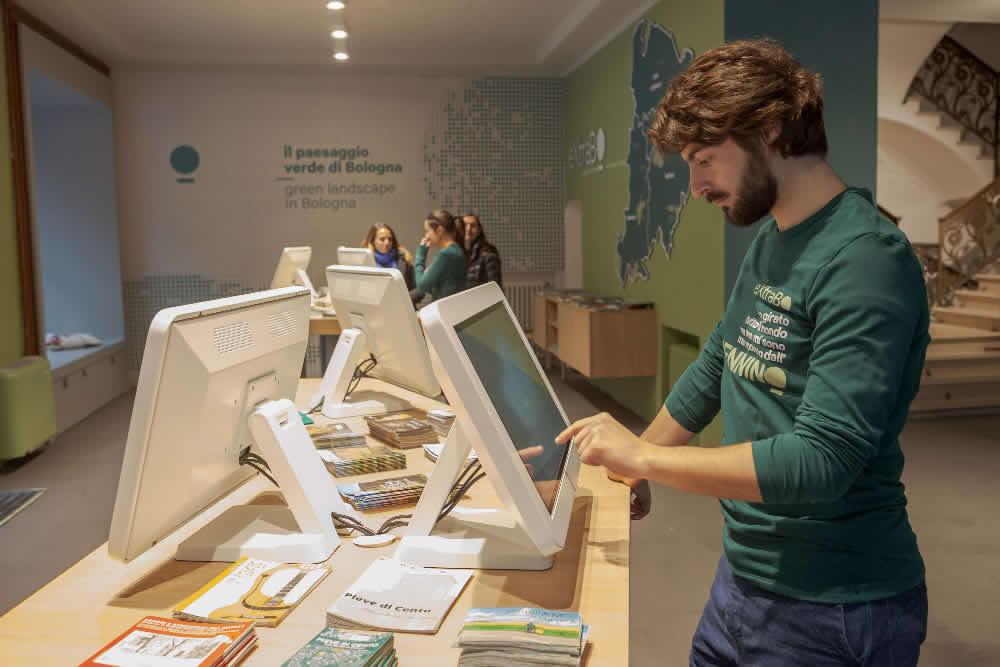 eXtraBo, il nuovo spazio informativo sul paesaggio verde di Bologna