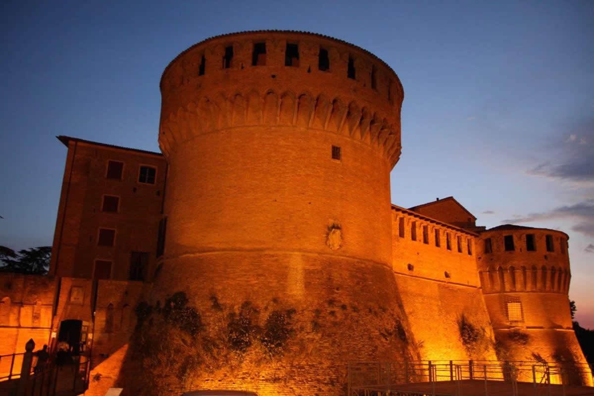 Alla Rocca di Dozza, serate estive tra vino e arte 1