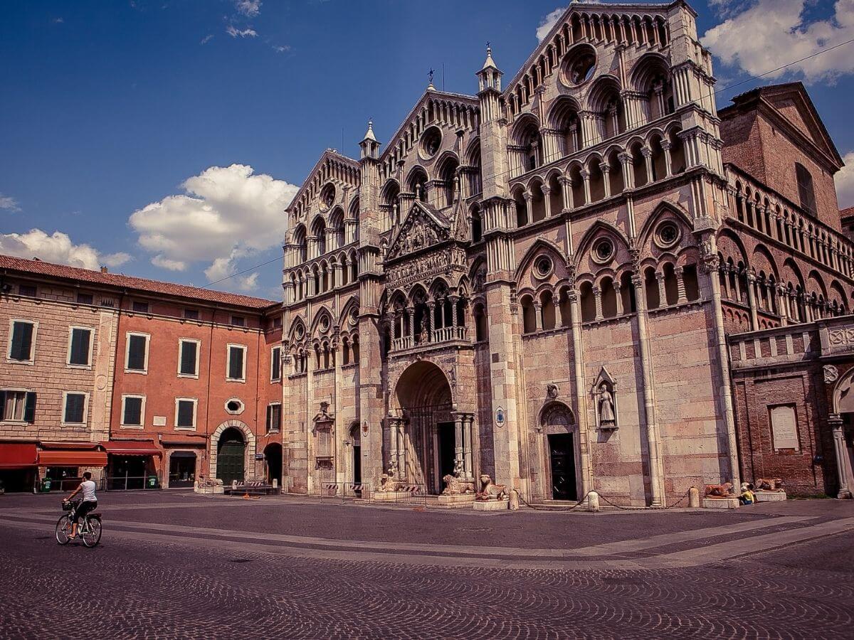 Ferrara: dormi in città e ti regaliamo una visita guidata
