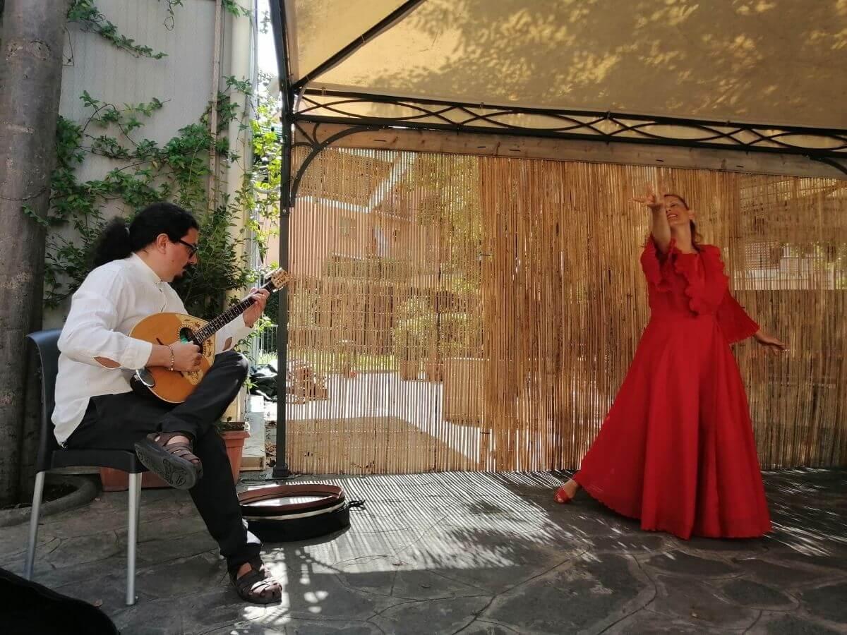 Ninne nanne: storie e canti popolari